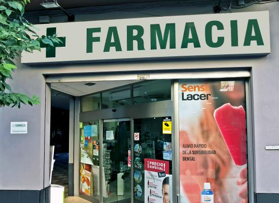 fachada-farmacia-hervas2
